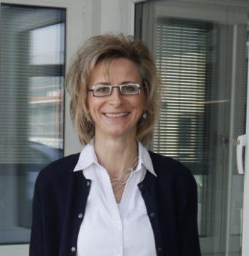 Sabine Nill, die stellvertretende Geschäftsleitung der Firma Fensterbau Nill.